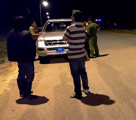 Quảng Ngãi: Đang tìm kẻ lạ mặt tạt axit vào cặp đôi Việt Kiều về quê ăn tết ảnh 1