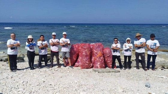 Lặn vớt rác dưới đáy biển Lý Sơn (Quảng Ngãi) ảnh 8