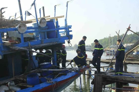 Quảng Ngãi: Cháy tàu cá, thiệt hại hơn 200 triệu đồng ảnh 3