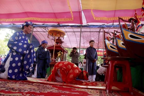 Lễ khao lề thế lính Hoàng Sa trên đảo Lý Sơn (Quảng Ngãi) ảnh 2