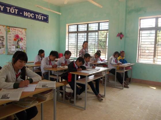 Quảng Ngãi: Hàng trăm giáo viên hợp đồng chưa được trả lương suốt 4 tháng ảnh 1