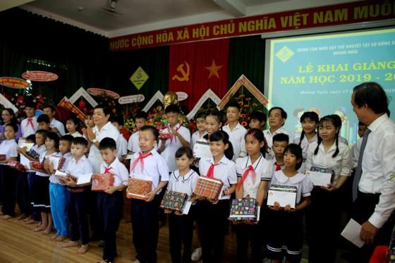 Hơn 3 tỷ đồng ủng hộ Trung tâm Nuôi dạy trẻ khuyết tật Võ Hồng Sơn ảnh 2