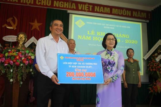 Hơn 3 tỷ đồng ủng hộ Trung tâm Nuôi dạy trẻ khuyết tật Võ Hồng Sơn ảnh 8