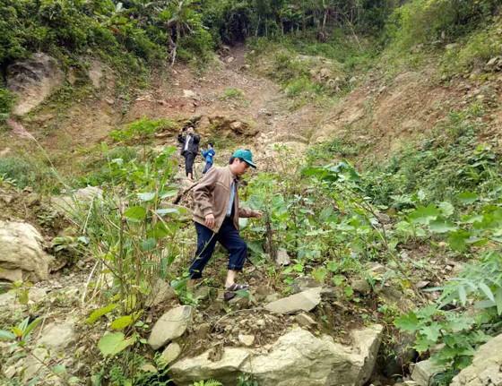 Quảng Ngãi kiến nghị hỗ trợ 222 tỷ đồng thực hiện 3 dự án khẩn cấp sạt lở ảnh 3