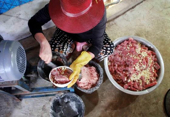 Quảng Ngãi: Làng làm chả cá đỏ củ từ Hoàng Sa  ảnh 2