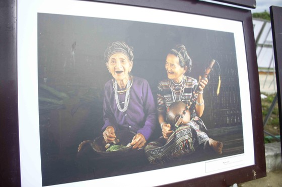 Triển lãm ảnh Đất nước - Con người Trà Bồng và miền Tây Quảng Ngãi ảnh 4