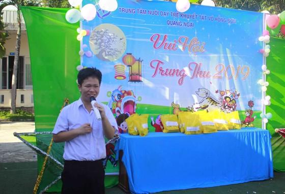 Tết Trung thu ở Trung tâm Nuôi dạy trẻ khuyết tật Võ Hồng Sơn ảnh 8