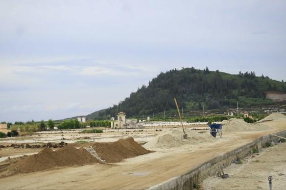 Quảng Ngãi: Nhiều ý kiến xử lý đất thải từ hoạt động sản xuất nông nghiệp đảo Lý Sơn ảnh 1