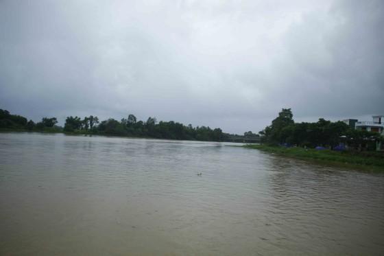 Lũ trên các sông Quảng Ngãi đang lên ảnh 1