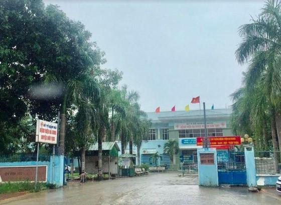 Khởi tố nhiều cán bộ Bệnh viện Đa khoa huyện Sơn Tịnh, Quảng Ngãi ảnh 1