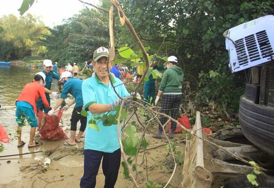 Phát động 'Tử tế với sông Trà Bồng' ảnh 7