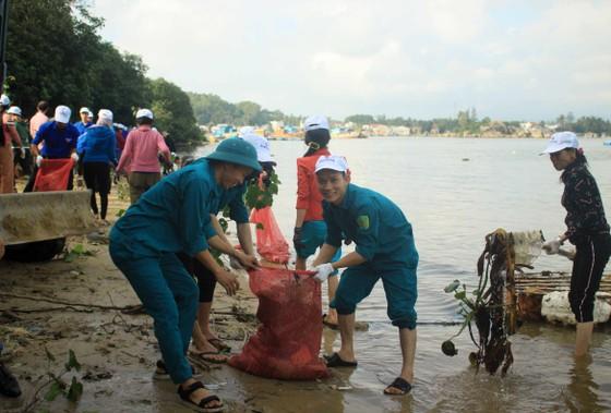 Phát động 'Tử tế với sông Trà Bồng' ảnh 4