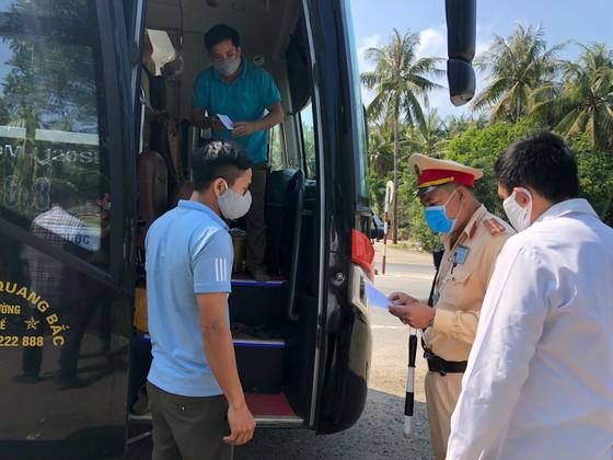 Lập 9 chốt kiểm tra y tế phòng, chống dịch Covid-19 ở Quảng Ngãi ảnh 1
