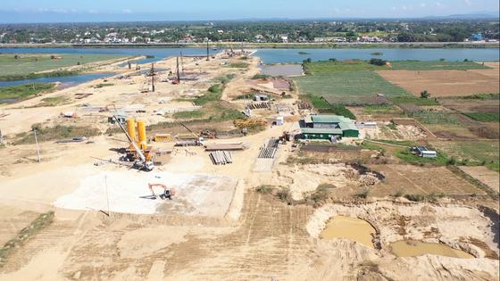 Chủ tịch UBND tỉnh Quảng Ngãi yêu cầu rà soát dự án Đập dâng hạ lưu sông Trà Khúc ảnh 1