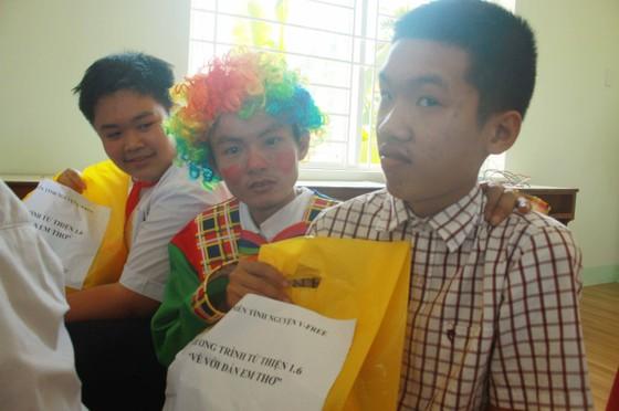 Trẻ em Trung tâm Nuôi dạy trẻ khuyết tật Võ Hồng Sơn đón 1-6 ảnh 3