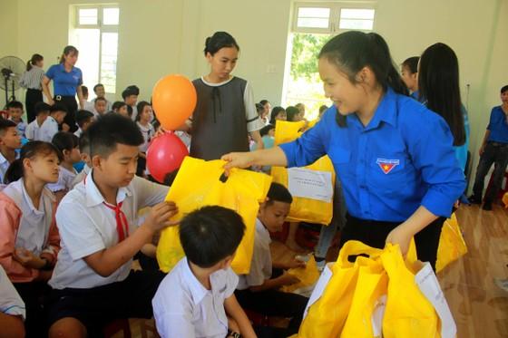 Trẻ em Trung tâm Nuôi dạy trẻ khuyết tật Võ Hồng Sơn đón 1-6 ảnh 2