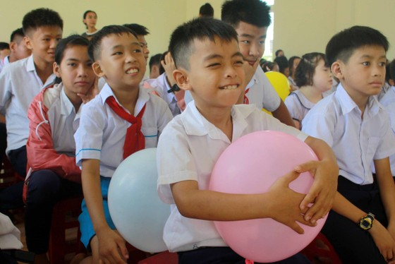 Trẻ em Trung tâm Nuôi dạy trẻ khuyết tật Võ Hồng Sơn đón 1-6 ảnh 4