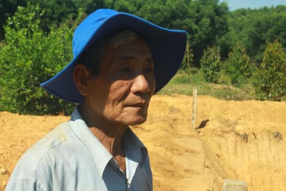 """Lão nông 68 tuổi đào """"giếng khủng"""" 1.000m2 chống hạn ảnh 4"""