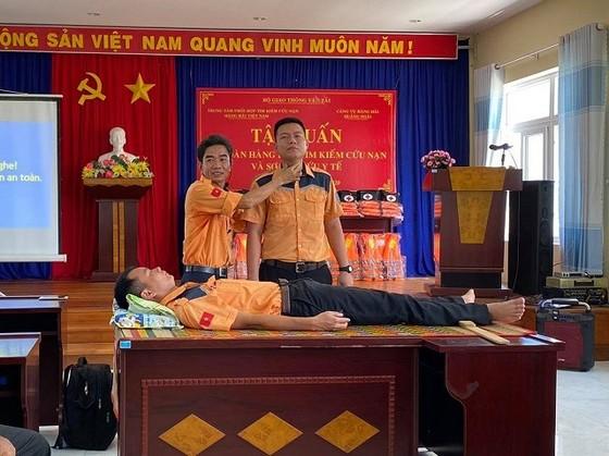 Tập huấn an toàn hàng hải cho ngư dân đảo Lý Sơn, Quảng Ngãi ảnh 1