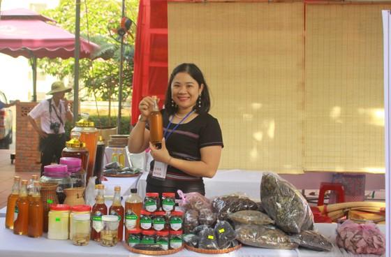 Chợ phiên Văn hóa Miền núi ngay giữa lòng thành phố Quảng Ngãi ảnh 2
