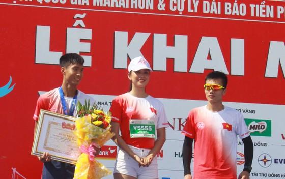 Sôi động Giải vô địch quốc gia Marathon và cự ly dài Báo Tiền Phong lần thứ 61 ảnh 8