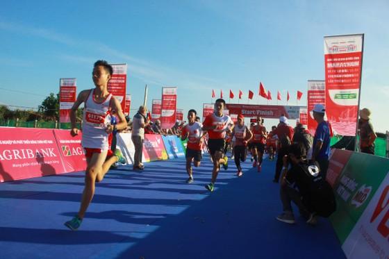 Sôi động Giải vô địch quốc gia Marathon và cự ly dài Báo Tiền Phong lần thứ 61 ảnh 3