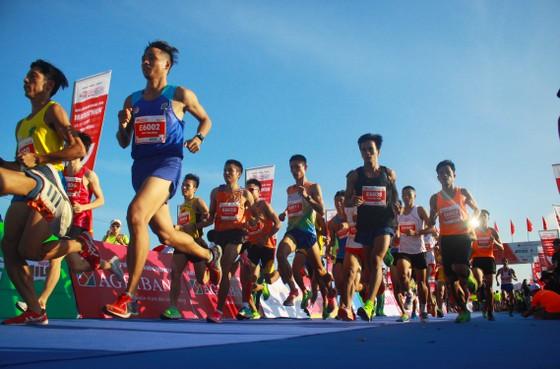 Sôi động Giải vô địch quốc gia Marathon và cự ly dài Báo Tiền Phong lần thứ 61 ảnh 4