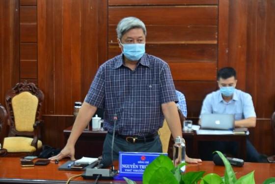 Thứ trưởng Bộ Y tế Nguyễn Trường Sơn chỉ đạo phòng chống dịch Covid-19 tại Quảng Ngãi ảnh 2