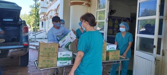 Cận cảnh Bệnh viện dã chiến ở Quảng Ngãi ảnh 17
