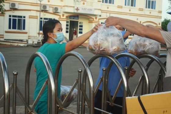 Cận cảnh Bệnh viện dã chiến ở Quảng Ngãi ảnh 5