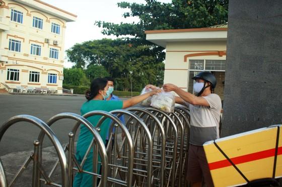 Cận cảnh Bệnh viện dã chiến ở Quảng Ngãi ảnh 4