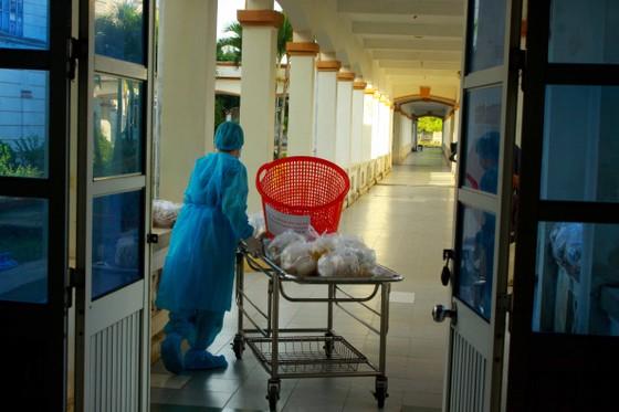 Cận cảnh Bệnh viện dã chiến ở Quảng Ngãi ảnh 13