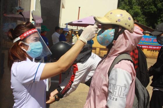 Dừng khẩn 1 điểm thi THPT ở Quảng Ngãi với 352 thí sinh, vì liên quan bệnh nhân 786 ảnh 1