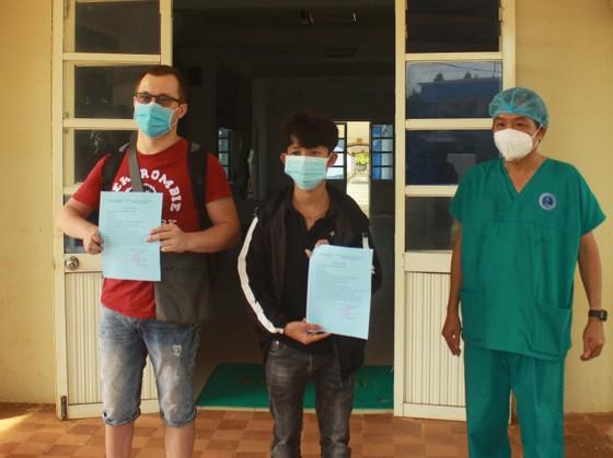 Hai bệnh nhân Covid-19 ở Quảng Ngãi đã khỏi bệnh ảnh 2