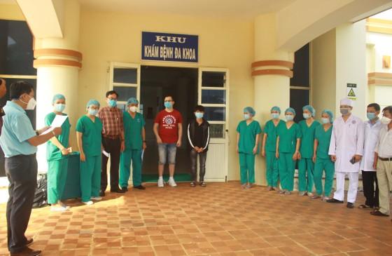 Hai bệnh nhân Covid-19 ở Quảng Ngãi đã khỏi bệnh ảnh 1
