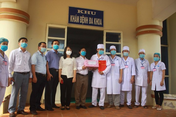 Bệnh nhân 621 xuất viện, 11 ngày Quảng Ngãi không có ca mắc Covid-19 mới ảnh 3