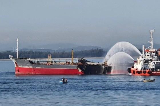 Đã tìm thấy thi thể thuyền viên mất tích trong vụ nổ tàu chở dầu ở Quảng Ngãi ảnh 1