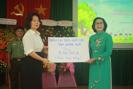 Khoảng 2 tỷ đồng hỗ trợ Trung tâm Nuôi dạy trẻ khuyết tật Võ Hồng Sơn  ảnh 8