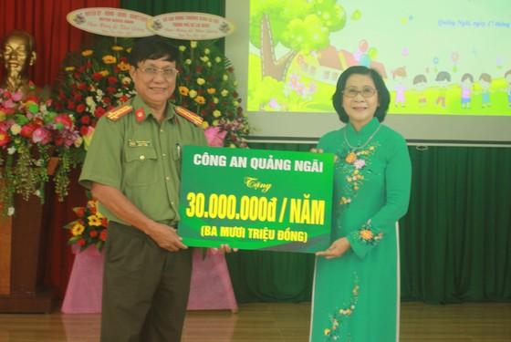 Khoảng 2 tỷ đồng hỗ trợ Trung tâm Nuôi dạy trẻ khuyết tật Võ Hồng Sơn  ảnh 9