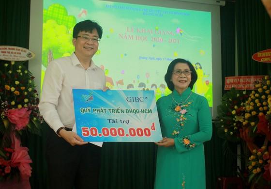 Khoảng 2 tỷ đồng hỗ trợ Trung tâm Nuôi dạy trẻ khuyết tật Võ Hồng Sơn  ảnh 6