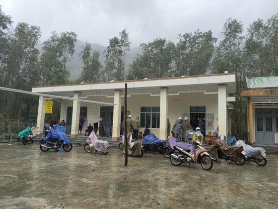 Ban chỉ đạo Trung ương về PCTT khảo sát khắc phục sạt lở đất, lũ quét tại Quảng Ngãi ảnh 1