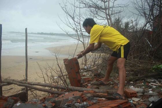 Hàng trăm người dân đảo Cồn Cỏ di tản xuống hầm trú bão ảnh 6