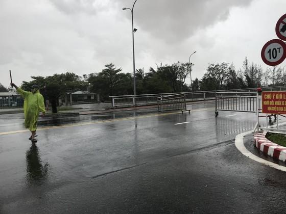 Hàng trăm người dân đảo Cồn Cỏ di tản xuống hầm trú bão ảnh 3