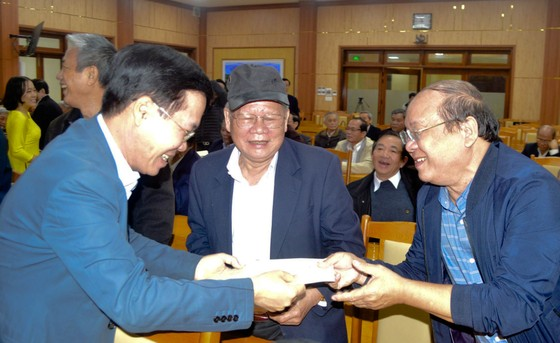 Trưởng Ban Tuyên giáo Trung ương Võ Văn Thưởng thăm, chúc tết tại Quảng Ngãi ảnh 1