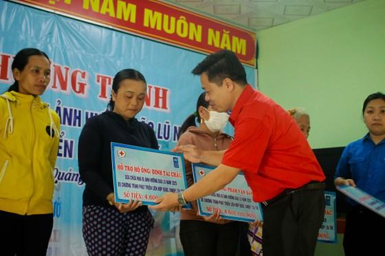 Quảng Ngãi: Bàn giao 200 nhà phòng chống bão, lụt cho người dân  ảnh 2