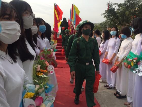 Hàng chục ngàn thanh niên miền Trung lên đường nhập ngũ ảnh 4