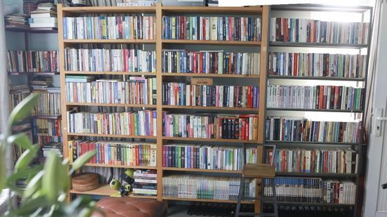 Chàng trai xây dựng thư viện miễn phí với 14.000 cuốn sách cho học sinh  ảnh 8
