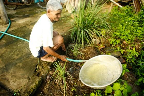 Vụ giếng nước hôi thối ở Quảng Ngãi: Nước ngầm bị ô nhiễm chất hữu cơ và vi sinh ảnh 1