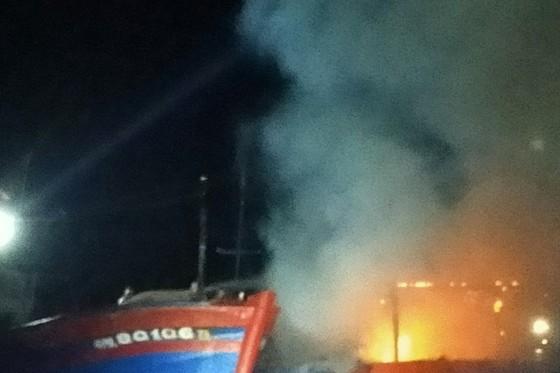 Quảng Ngãi: Cháy tàu cá thiệt hại hơn 3 tỷ đồng ảnh 1