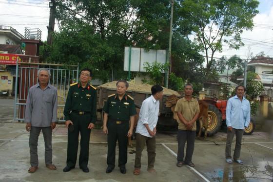 Hội Hỗ trợ khắc phục hậu quả bom mìn Việt Nam trao hỗ trợ sinh kế cho nhân dân Quảng Ngãi ảnh 5